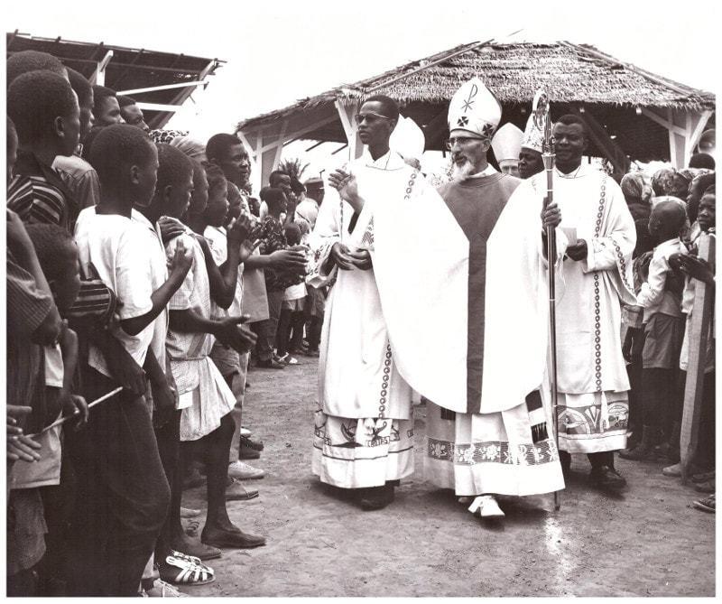 Sacre du Père André Loucheur comme évêque de Bafia