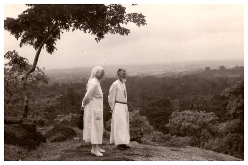 Mère Saint Justin Deleuze et le Père André Loucheur